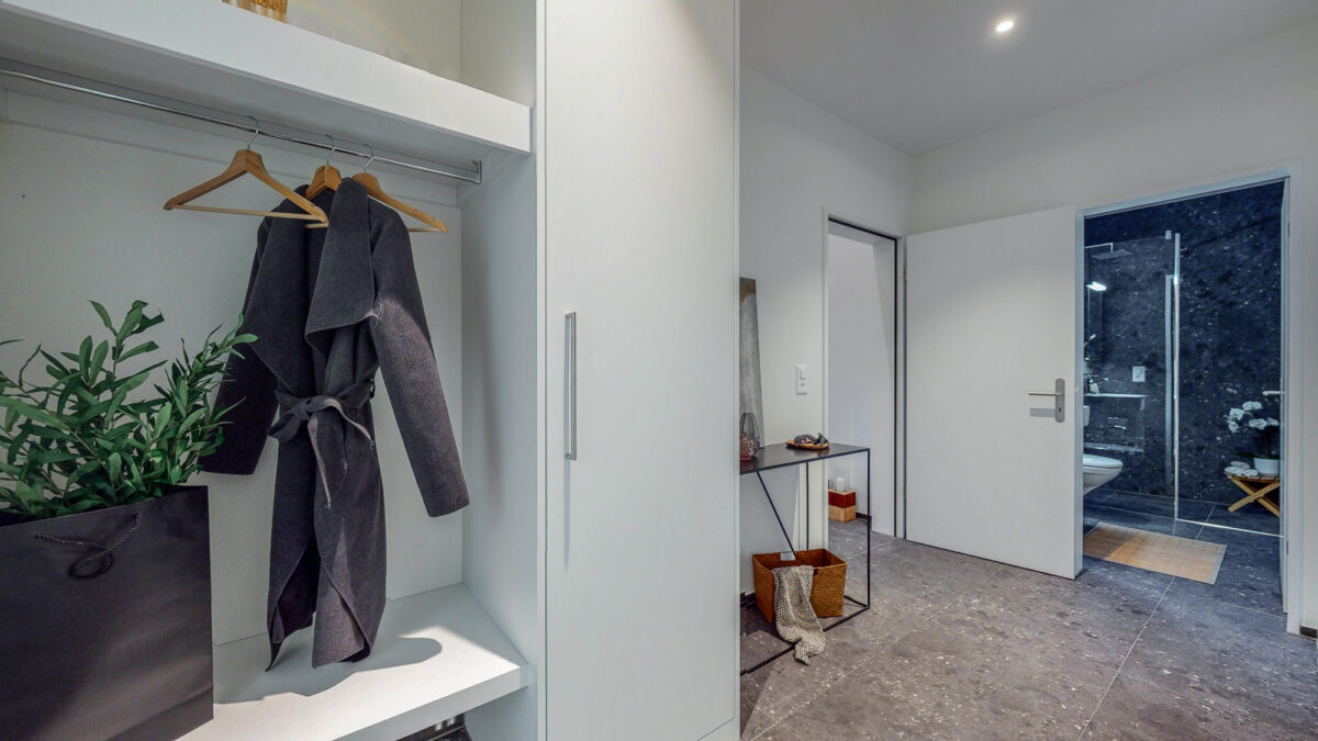 55-Zimmer-Einfamilienhaus-in-Konolfingen-Vorraum