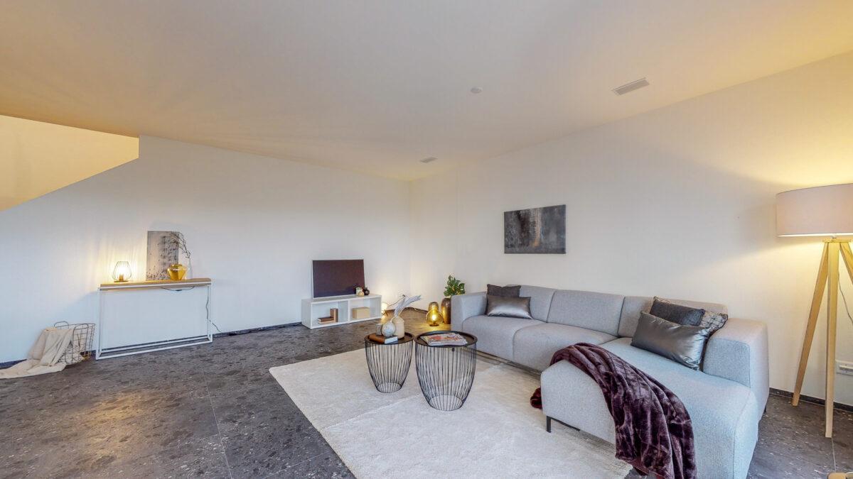 55-Zimmer-Einfamilienhaus-in-Konolfingen-Wohnbereich-12
